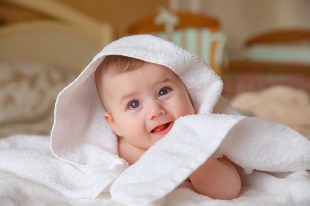 thời điểm tắm gội cho bé