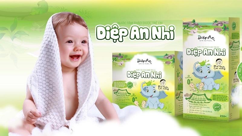 Nước tắm thảo dược Diệp An Nhi hỗ trợ chữa trị cho bé bị hăm cổ