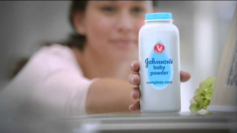 Phấn rôm trị hăm Johnson Baby