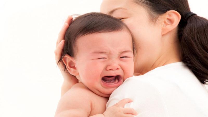 Lưu ý khi trẻ sốt mọc răng