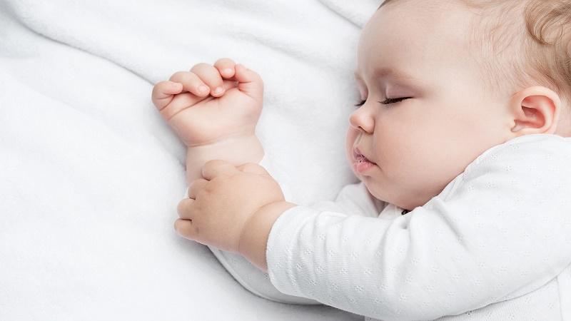 Trẻ sơ sinh ngủ như thế nào?