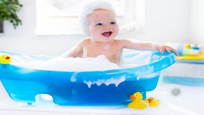 Các bước tắm cho trẻ sơ sinh tại nhà đúng cách vào trời rét các mẹ cần biết