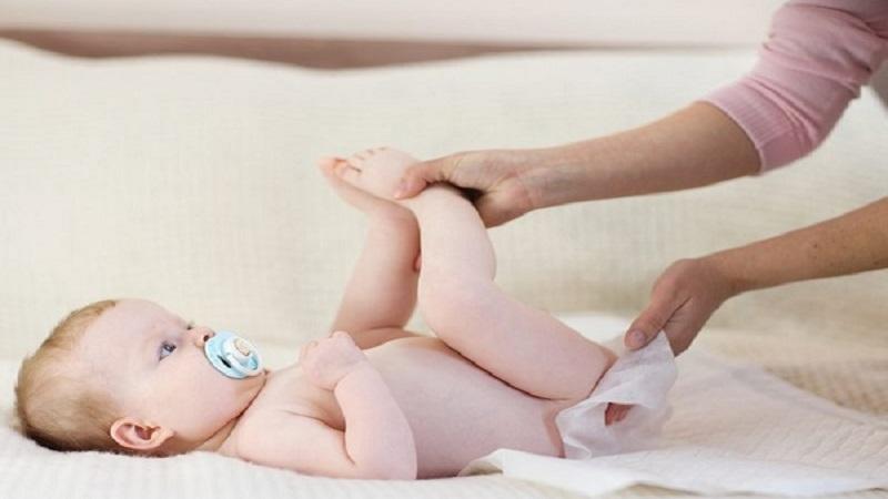 Trẻ sơ sinh bị tiêu chảy có rất nhiều nguyên nhân khác nhau